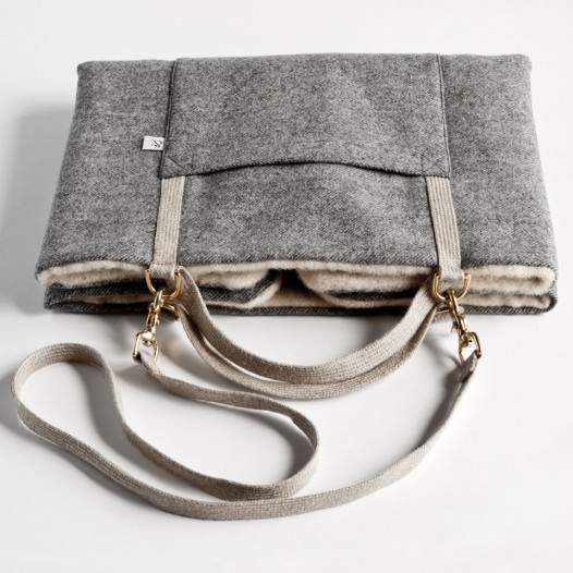Dog Travel Bed. Bag Bed Urban Wool